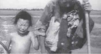 Children were among those who suffered from the failed Great Leap Forward and subsequent famine. (NTDTV)