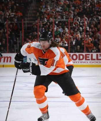 Fiery Philadelphia Flyers winger Scott Hartnell frustrated the New Jersey Devils with his physical play and second period goal on Monday night. (Bruce Bennett/Getty Images)