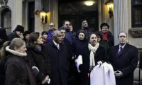 New York: Upper West Side Protests Conversion of Hotel to Shelter