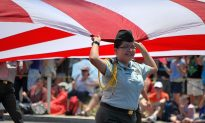 Crowds Gather in Pursuit of Happiness for Fourth of July Parade