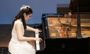 The Path of Piano Virtuoso Li Yan