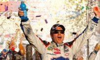 Johnson Wins NASCAR Phoenix Race, Closes in on Championship