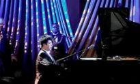 Chinese Pianist Plays Propaganda Tune at White House (Video)