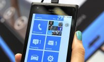 Nokia, Microsoft Pin Hopes on Lumia 900