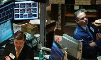 Stocks Tumble to Four-Year Low After Global Selloff
