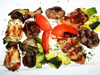 The mixed grill of kebabs (Nadia Ghattas/The Epoch Times)