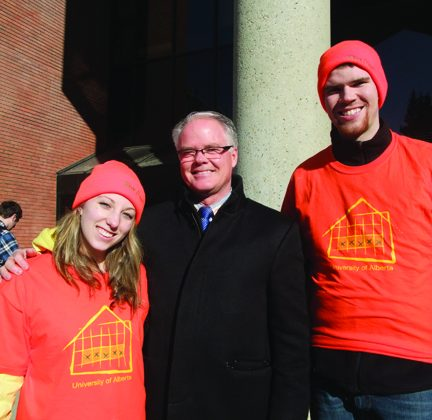 University of Alberta students pose with Spruce Grove Mayor Stuart Houston. (Justina Reichel/The Epoch Times)