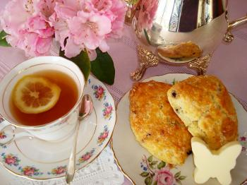 On Mother's Day, get out the special dishes to serve afternoon tea and scones to Mom. (Sandra Shields)