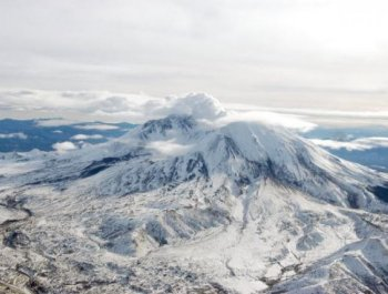 Mount St. Helens, as viewed from the roof of the Cascades Volcano Observatory in 2006. The 30th anniversary of the most massive landslide in US history, a falling flank of Mount St. Helens, is May 18, 2010. (Steve Schillling/The U.S. Geological Survey via Getty Images)