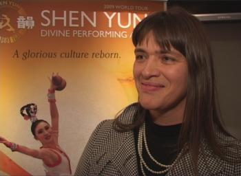'I have a lot of appreciation for this woman,' said famous Violinist Inge Hermans about Qi Xiaochun, star on the two-stringed Chinese Erhu. (NTDTV)