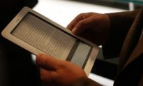 Price War: New B&N Nook Competes with Sony's Reader and Amazon's Kindle