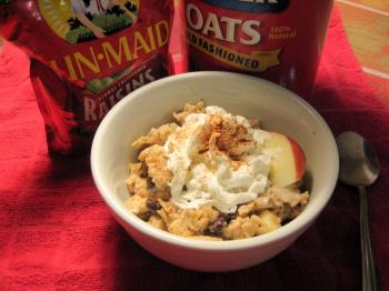 OATMEAL: Once thought of as a bland breakfast, oatmeal is fast becoming again America's breakfast favorite. (Maureen Zebian/Epoch Times)