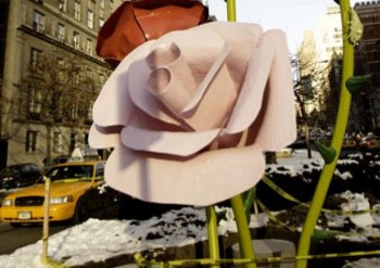 PARK AVENUE BLOOMS: Sculptor Will Ryman's oversized roses will adorn a 10-block stretch of Park Avenue in New York until the end of May.  (Phoebe Zheng/The Epoch Times)