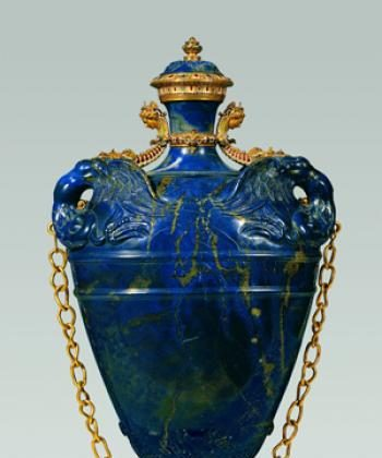 Florentine Flask of lapis lazuli with gold and gilt-copper mount from 1583. (Museo degli Argenti, Florence.). (www.metmuseum.org)