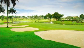 The Tanjong Puteri Golf Resort offers three different 18-hole championship golf courses, which are carved from the rolling hills of oil palm plantations. The emphasis is to preserve nature and protect the environment.  (The Tanjong Puteri Golf Resort)