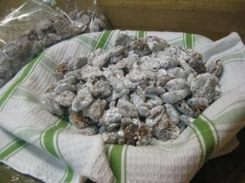 PUPPY CHOW: An easy snack to make that kids will love. (Maureen Zebian/The Epoch Times )