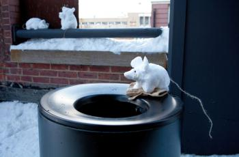 SNOW RAT: A playful and cold take on the ubiquitous New York City rat. (Amal Chen/The Epoch Times)