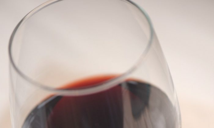 The same amount of alcohol will produce a higher blood alcohol content and greater impairment in an older person than it does in a younger adult of the same weight. (Cat Rooney/The Epoch Times)