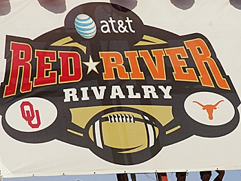 TEXAS AND OKLAHOMA: Bitter cross-state rivals renew acquaintances this Saturday. (Ronald Martinez/Getty Images)