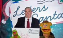 Muppets Kick Off Holiday Mailing Season