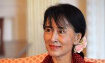 Burma's Suu Kyi Woos Washington