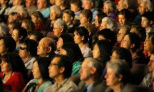 Mainland Couple Take Tour to Attend Shen Yun