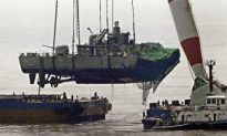Sunk S. Korean Navy Ship Raised