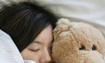 Fear of Darkness May Contribute to Light Sleep
