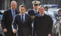 French Journalists Protest Presidential Statement on Afghanistan Hostages