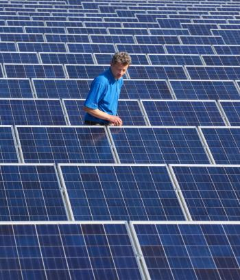 Feed-in tariffs will see higher prices being paid back to the householder for the solar energy produced but there needs to be a  more representative body for the renewable energy industry in Australia say solar installers. (Michael Urban/AFP/Getty Images)