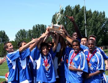 Mississauga Falcons players celebrate. (Samira Bouaou/The Epoch Times)