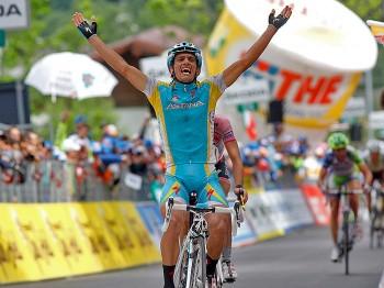 Tiralongo Wins Giro d'Italia Stage 19