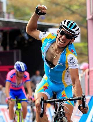 Astana's Paolo Tiralongo bursts past Michele Scarponi to win Stage Seven of the Giro d'Italia. (Astana)