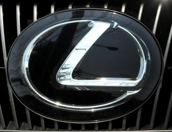 Toyota recall: Toyota is set to recall 1.7 million cars, including the 2006 to 2007 Lexus GS300/350, 2006 to 2009 IS250, and 2006 to 2008 IS350 vehicles. (YOSHIKAZU TSUNO/AFP/Getty Images)