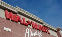 Wal-Mart Predicts Flat Holiday Sales