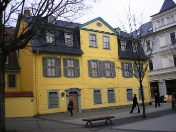 The duke's present to Goethe: the Schiller resided in this house for three years, until his death in 1805. (Joachim Frank)