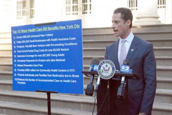 Rep. Anthony Weiner described the top ten reasons the health care bill that passed in the house on Saturday will benefit New Yorkers. (Catherine Yang/The Epoch Times)
