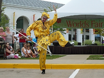 """DIVERSITY: A Chinese dancer representing demonstrates the """"Monkey King Dance,"""" at the World's Fair multicultural festival in Atlas Park Mall, Queens.  (Robert Apicella/NTD News)"""
