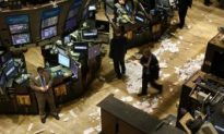 Wall Street Banks Clamp Down on Bonuses