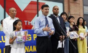 Amid Olympics, New Yorkers Condemn China Over Sudan, Falun Gong