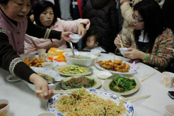 The Bu Rou restaurant in Loudong has built a solid reputation over the years, and now hundreds of people can be seen lining up outside; inside, the food is excellent.  (Matthew Robertson/The Epoch Times)