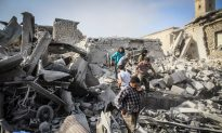 Activists: Syria Warplane Crashes, Killing and Wounding Many