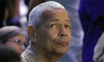Longtime Civil Rights Activist Bond Dead at 75