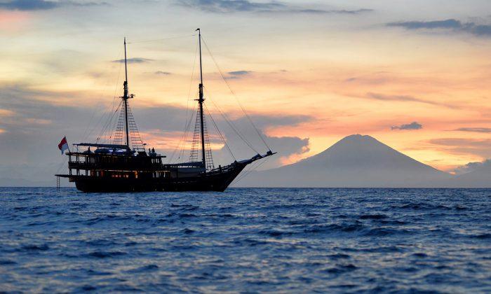 KLM Dunia Baru Adventures Sailing Yacht. (Mark Eveleigh)