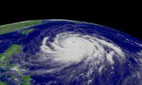 China Evacuates 600,000 after Typhoon Lashes Taiwan
