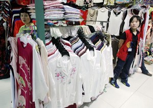 A store on Beijing's famous Silk Street. China and the United States are involved in negotiations over textile imports, and there are currently over 75 million Chinese-made garments stopped in U.S. Customs, as the quota has already been reached. U.S. businesses say that low-priced Chinese garments are harmful to their businesses. (AFP)