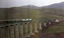 Altitude Sickness Sets In As Tibet Train Reaches Peak