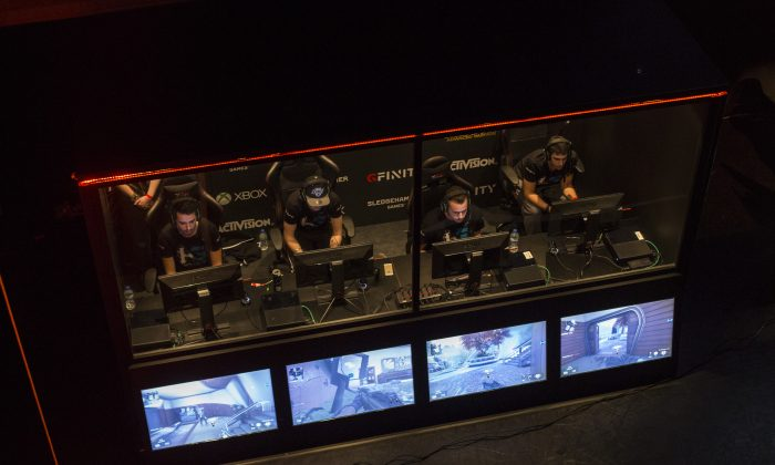 Teams take part in a qualifying match at the 2015 Call of Duty European Championships at The Royal Opera House on March 1, 2015 in London, England. (Rob Stothard/Getty Images)