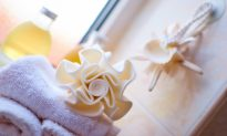 4 Relaxing Concoctions to Put in Your Bath Tonight