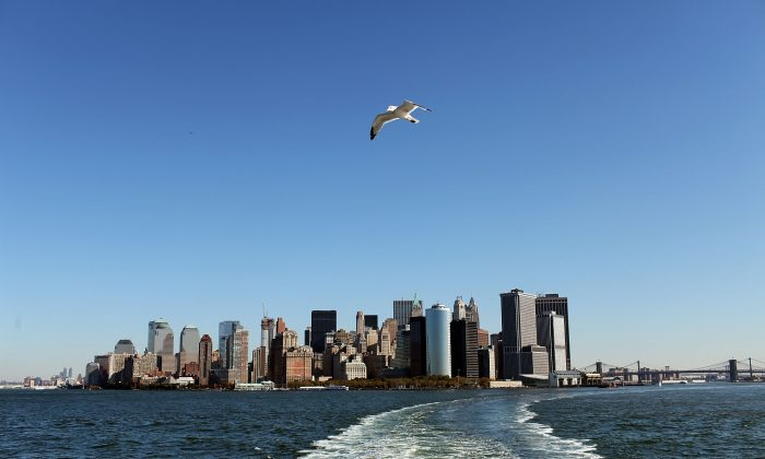 The New York City skyline is viewed  in New York City on Oct. 19, 2009. New York's average sea level rise in the past 23 years is higher than the global average. (Spencer Platt/Getty Images)